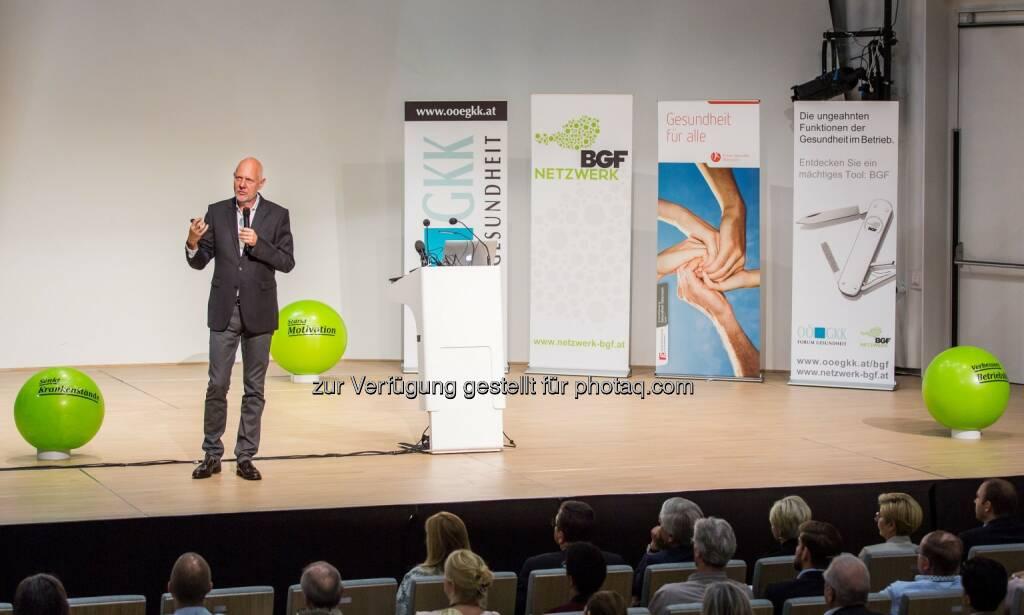 Matthias Horx (Referent) : Unternehmen wollen gesund bleiben – Über 300 Besucher beim BGF-Infotag in Linz : Fotocredit: Ö. Netzwerk f. Betriebl. Gesundheitsförderung/APA-Fotoservice/Greindl, © Aussender (30.09.2016)