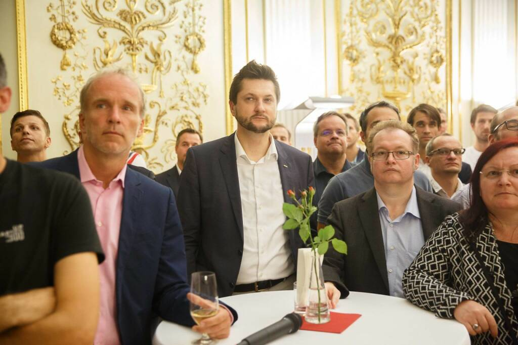 Christian Drastil mit Damian Izdebski, Gregor Rosinger und Yvette Rosinger bei Startup300 (c) Florian Wieser (30.09.2016)