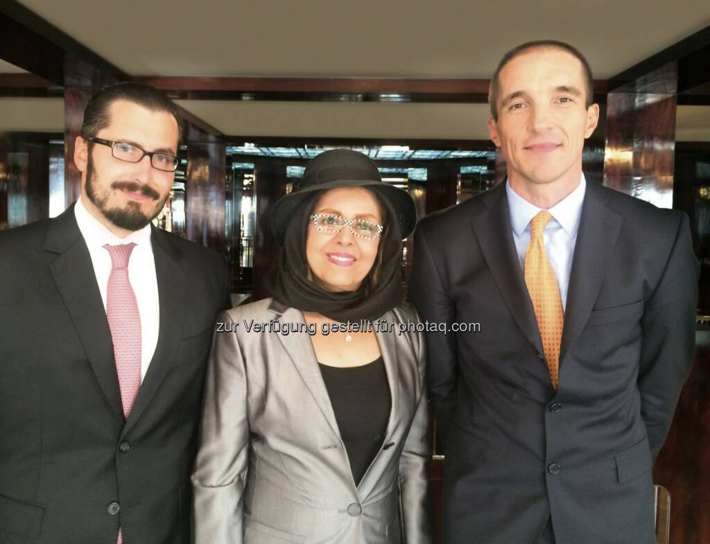 Bernhard Maier (Wildmoser/Koch & Partner), Mahnaz Mehrinfar (International Law Office, Dr. Behrooz Akhlaghi & Associates), Felix Michael Klement (Wildmoser/Koch & Partner) : Führende Wirtschaftskanzlei holt Teheran nach Wien : Kick-Off der neuen Kooperation von Wildmoser/Koch & Partner : Fotocredit: Wildmoser/Koch & Partner/Vojtech Joza, © Aussendung (05.10.2016)