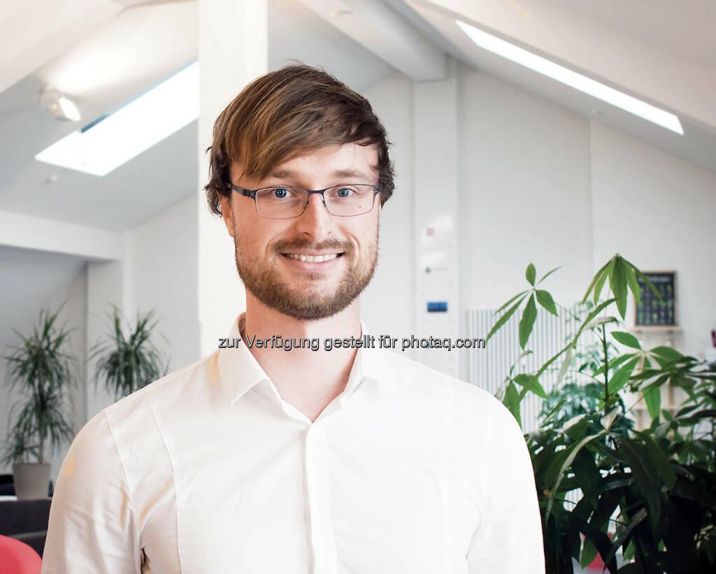 Dennis Just (Gründer des digitalen Brokers Knip) : Transparenter Preisvergleich: Knip startet Online-Tool für den Wechsel der Krankenkasse : Fotocredit: obs/Knip Deutschland GmbH/Knip AG / Michael Divé, © Aussender (05.10.2016)