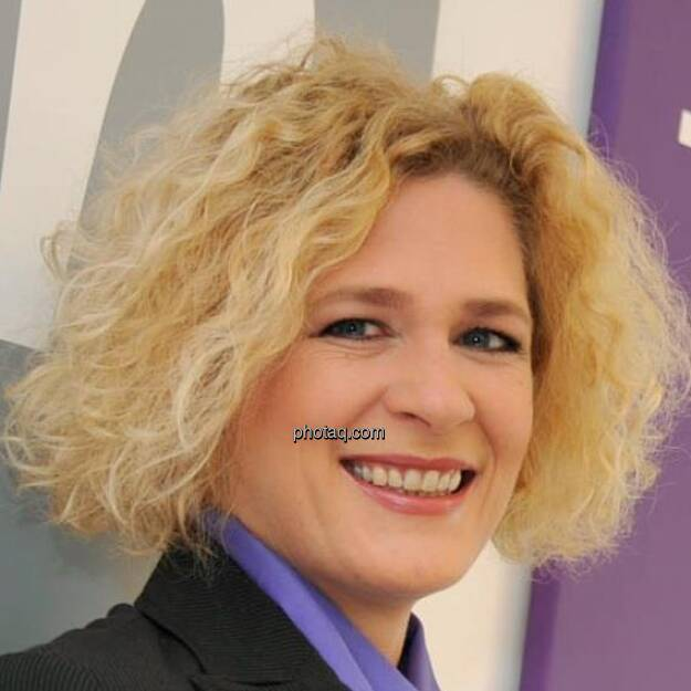 Barbara Riedl-Wiesinger, Monster (28. April) - finanzmarktfoto.at wünscht alles Gute! (28.04.2013)