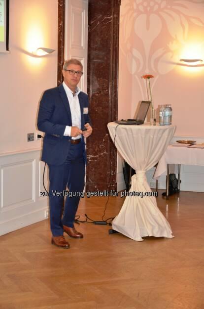 Horst Bratfisch, Leiter Anwendungsentwicklung der Österreichischen Post AG : Dritter Quality Leadership Circle : Cloud Computing – Fluch oder Segen? Strategien, Chancen und Risiken in Unternehmen : Fotocredit: Anecon (07.10.2016)