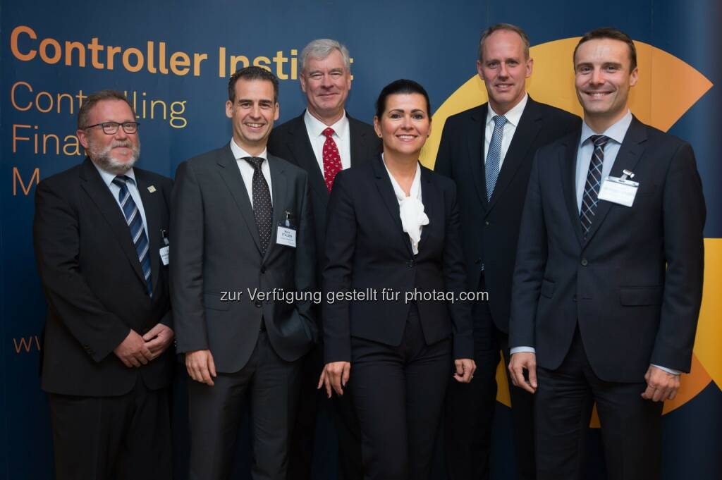 Franz Hoheiser-Pförtner (CISO), Marco Stalder (LGT Group), Bruce Branson (NC State Enterprise Risk Management Initiative, USA), Rita Niedermayr (GF Controller Institut), Christoph Schwager (CPA Partner EY Deutschland), Samuel Brandstätter (CEO avedos) : Risikomanagement-Circle 2016 - Risk Management 2.0 : Fotocredit: Controller-Institut/APA-Fotoservice/Hörmandinger (11.10.2016)