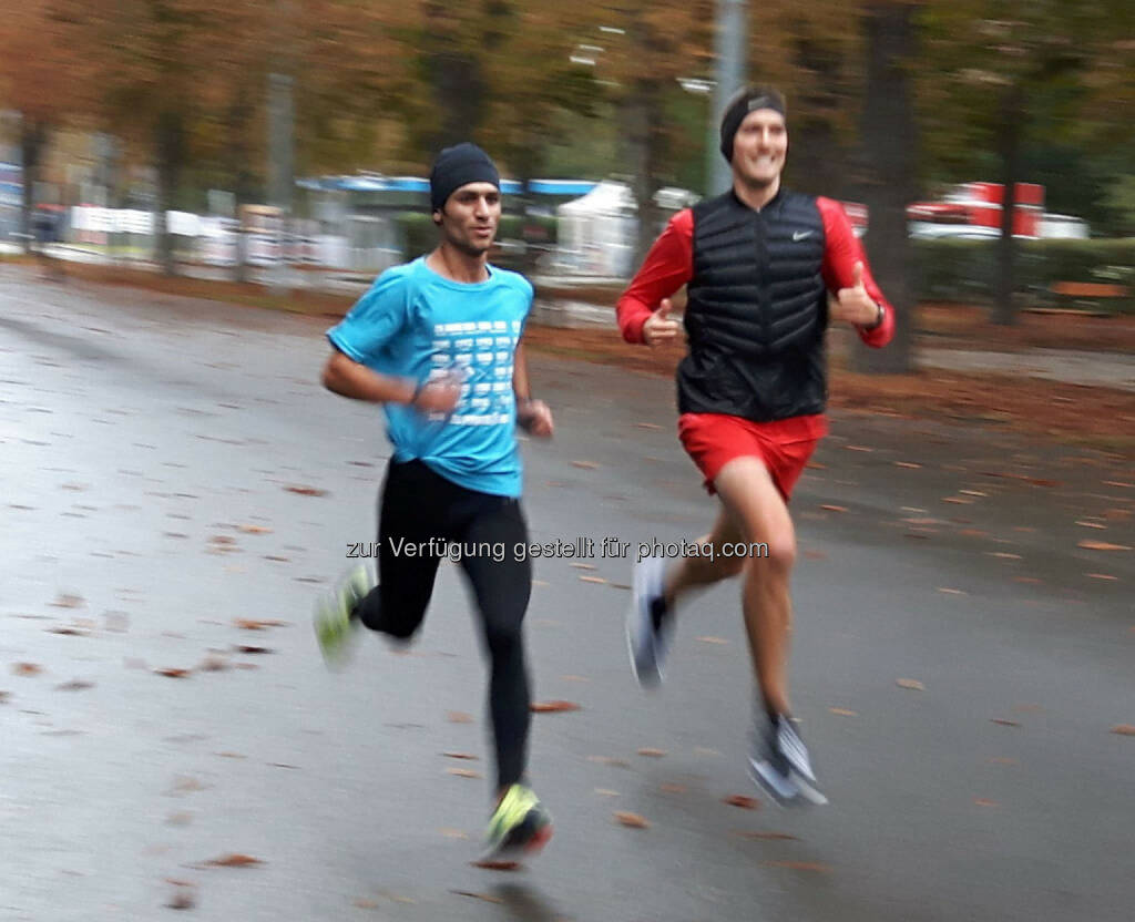 Flüchtling Manaf Ahmad (einer der besten Duathleten Syriens) und Andreas Vojta bei gemeinsamen Training, © Wilhelm Lilge (12.10.2016)