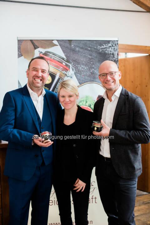 Gerhard Kracher, Yvonne Kracher, Peter Spak (GF Hink) : Die Kracher Jahrgangspräsentation und das Fine Wine Event 2016 : Fotocredit: Weinlaubenhof Kracher/Leurer