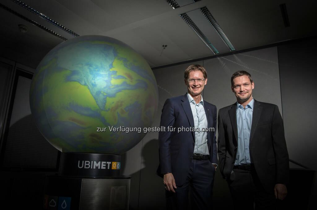 Andreas Kößl (Vorstand Uniqa Österreich), Michael Fassnauer (CEO Ubimet) : Uniqa Österreich und Ubimet präsentieren den Blitzreport : 1,2 Millionen Blitze, 5,6 Millionen Euro Schäden : Fotocredit: Rudi Froese, © Aussender (14.10.2016)