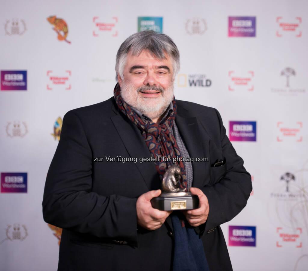 "Walter Köhler (TMFS-Chef) : Die Wiener Terra Mater Factual Studios gewinnen den ""Naturfilm-Oscar"" - Golden Panda Award -  für ""The Ivory Game"" : Fotocredit: Jon Craig, © Aussendung (14.10.2016)"
