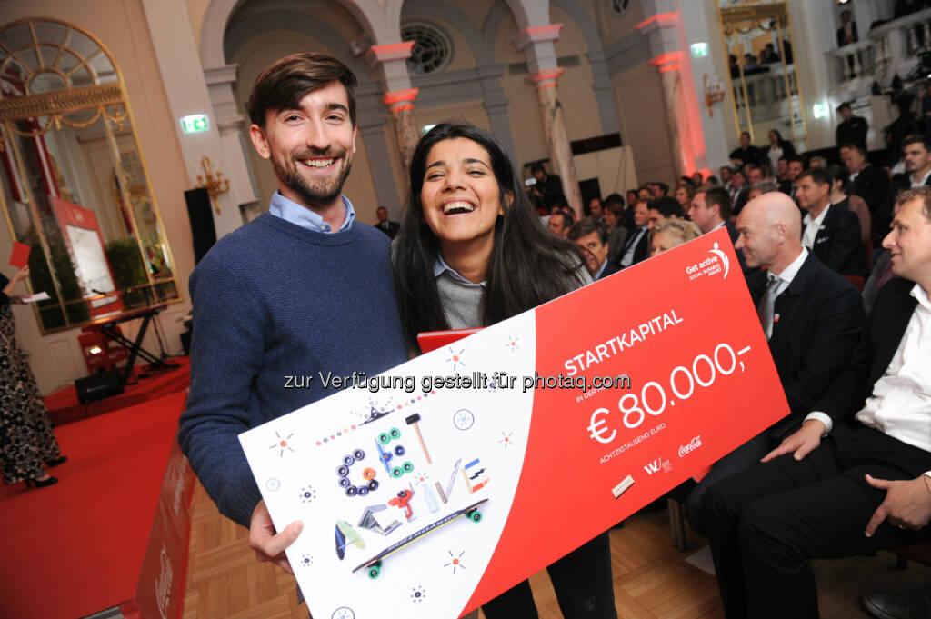Dominik Beron, Fatima Almukhtar : Get active Social Business Award - Siegerprojekt 2016 Refugeeswork.at, © Coca-Cola/andibruckner.com (18.10.2016)