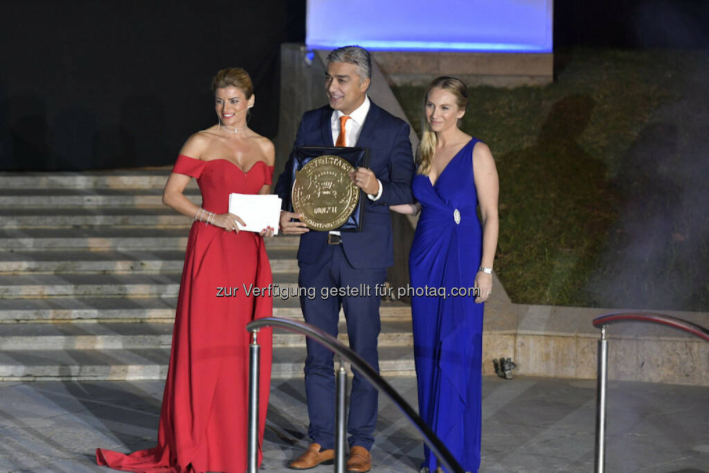 "Serhan Güven (GF Vivamayr Maria Wörth) : Vivamayr Maria Wörth gewinnt renommierten ""Seven Stars Hospitality and Lifestyle Award""  : Fotocredit ©SevenStarsHospitalityLifestyleAward, © Aussendung (18.10.2016)"