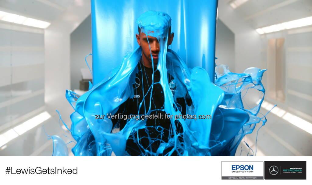 Lewis Hamilton (3-facher Formel-1-Weltmeister) ist Hauptdarsteller des neuen Epson YouTube-Videos »Lewis Gets Inked« : Fotocredit: obs/Epson Deutschland GmbH, © Aussendung (19.10.2016)