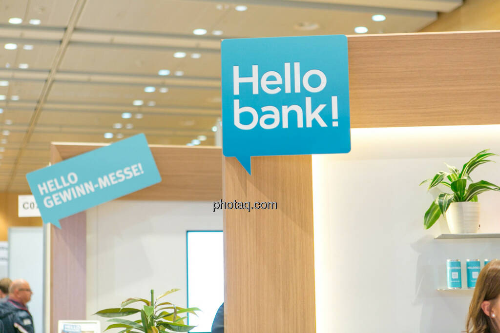 Hello bank!, © Martina Draper/photaq (20.10.2016)