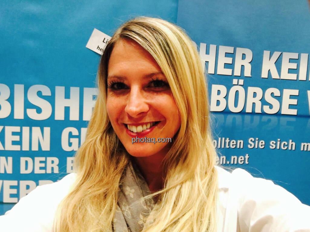Selfie Nina Bergmann finanzen.at, © jeder selbst (20.10.2016)