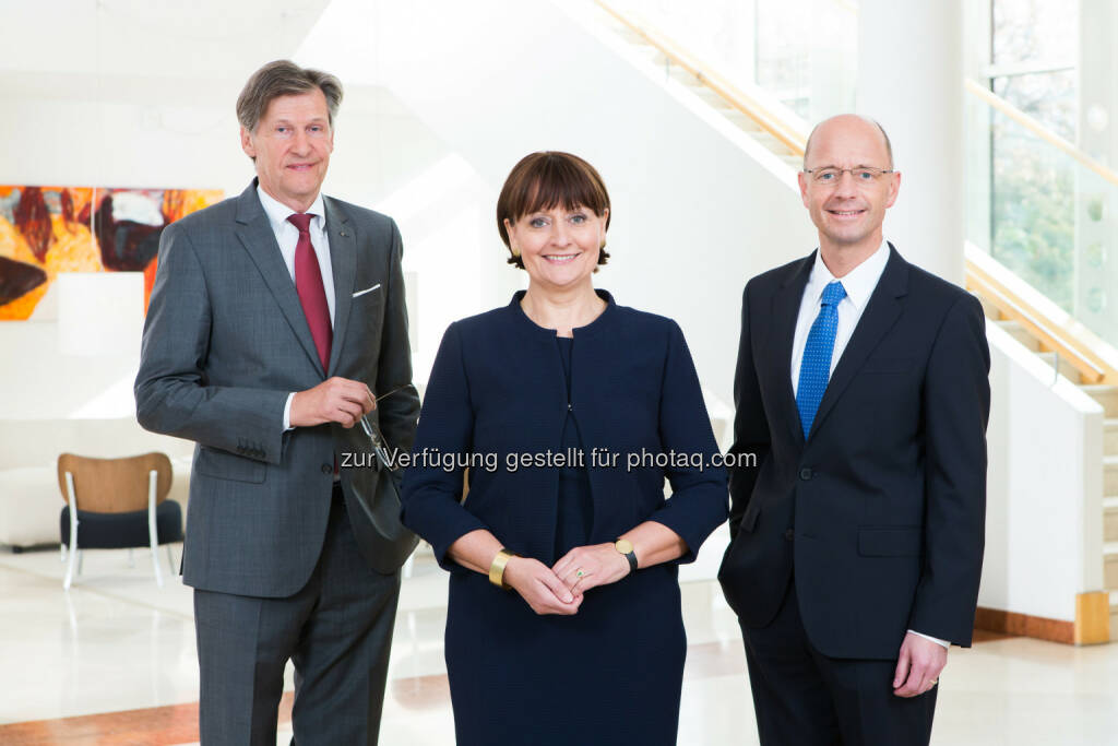 Dieter Kraßnitzer (VDir.), Herta Stockbauer (Vorstandsvorsitzende), Wolfgang Mandl (VDir.) : BKS Bank schließt Kapitalerhöhung  erfolgreich ab : Fotocredit: BKS Bank (c) Gernot Gleiss, © Aussender (21.10.2016)