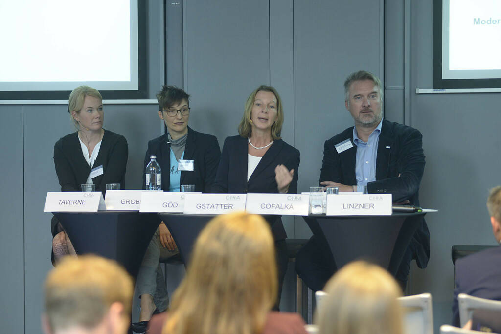 Alexandra Grobe (EnglishBusiness AG), Manuela Göd (nexxar GmbH), Doris Gstatter (IR & mehr), Dominik Cofalka (Mensalia Unternehmensberatungs GmbH)