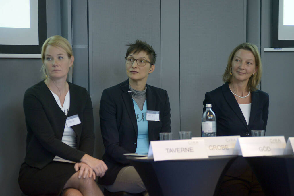 Alexandra Grobe (EnglishBusiness AG), Manuela Göd (nexxar GmbH), Doris Gstatter (IR & mehr), © C.I.R.A./APA-Fotoservice/Bargad Fotograf/in: Nadine Bargad (23.10.2016)