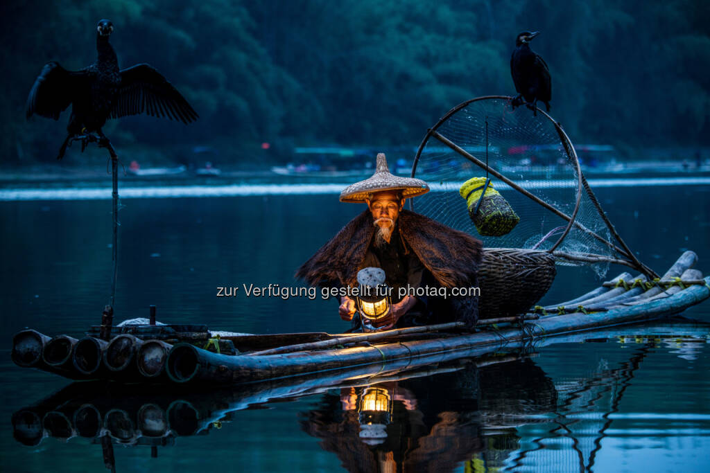 Fishing in Lijiang River (China) : Lange Nacht in der Hartlauer Fotogalerie am 4. November 2016 : Fotocredit: Xi Guan, © Aussendung (24.10.2016)