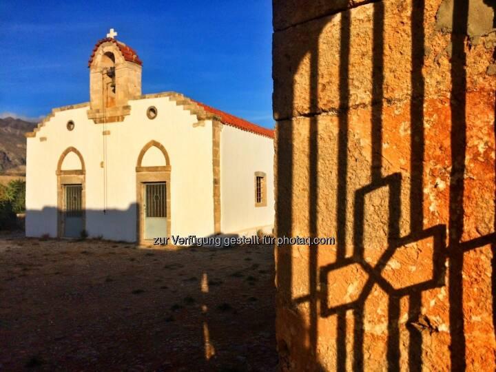 Kirche mit Schatten
