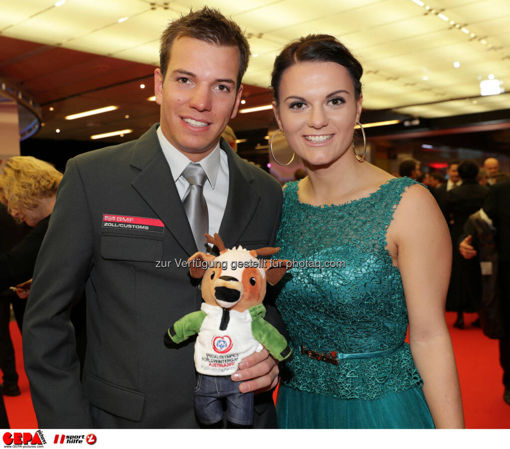 Andreas Oneo (AUT) and his  girlfriend Photo: GEPA pictures/ Walter Luger (28.10.2016)