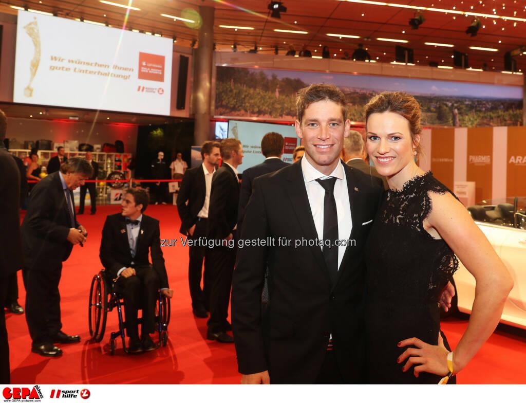 Benjamin and Marlies Raich Photo: GEPA pictures/ Hans Oberlaender (28.10.2016)