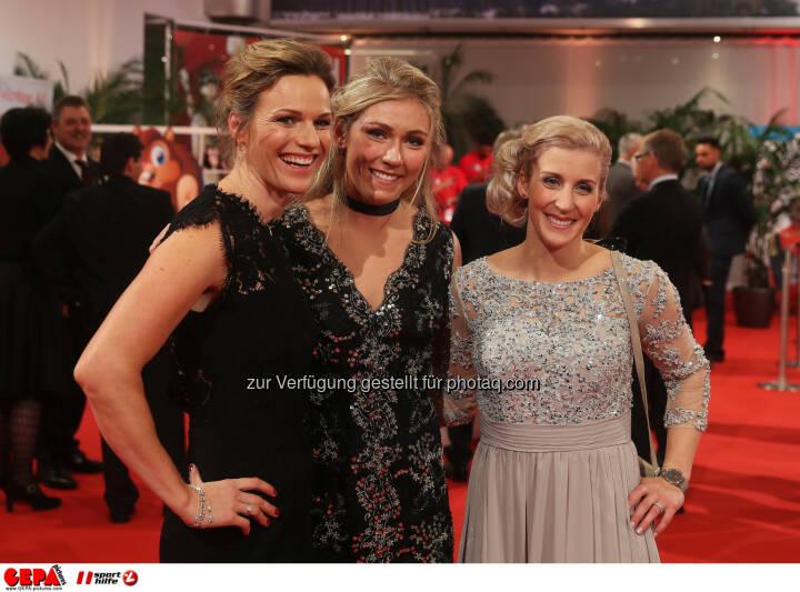 Marlies Raich, Mikaela Shiffrin (USA) and Eva-Maria Brem (AUT) Photo: GEPA pictures/ Hans Oberlaender