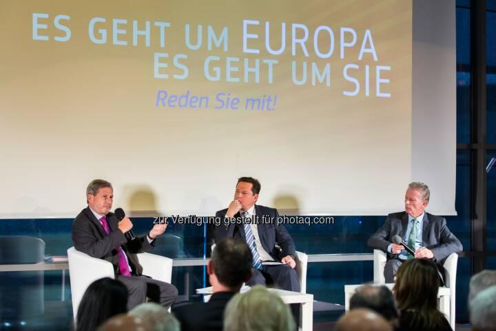 Johannes Hahn (EU-Kommissar), Gernot Hörmann (ORF Oberösterreich), Reinhold Mitterlehner (Vizekanzler) : Bürgerdialog in Linz : Rege Diskussion zu aktuellen Fragen und Herausforderungen der Europäischen Union : Fotocredit: Vertretung d. Europ. Kommission in Österreich/APA-Fotoservice/Greindl