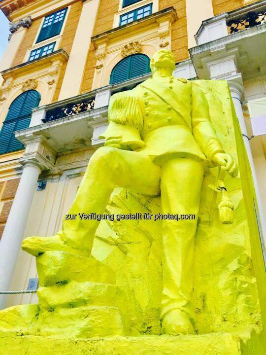 Schönbrunner Gelb #2