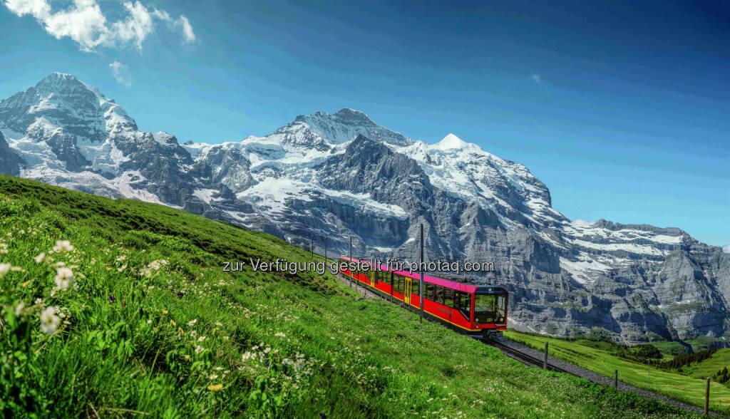Schweiz Tourismus: Jungfraujoch – Top of Europe, Die Jungfraubahn gilt als eine der eindrucksvollsten Errungenschaften in der Geschichte vom internationalen Bergbahnbau und wird auch heute noch als Meisterwerk der Bahntechnik betrachtet.  (Bild: Jungfraubahnen Management AG/Jeroen Seyffer), © Aussender (02.11.2016)