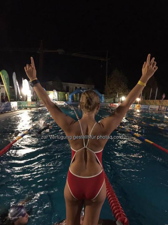 Martina Kaltenreiner: Schwimmen zu später Stunde - schwimmleistung immer noch konstant, ein Lächeln auf den Lippen und viel Motivation © Marlena Polec