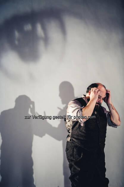 Rainer Galke erhielt für seine Leistung in Alte Meister den Nestroypreis als Bester Schauspieler: Volkstheater Wien: Volkstheater gratuliert seinen Nestroy-Preisträger/innen (C) www.lupispuma.com / Volkstheater, © Aussendung (08.11.2016)