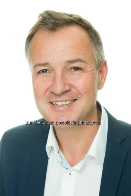 Martin Schumacher - Finanzmanagement im Tourismus mit neuen praxisorientierten Inhalten soeben in dritter Auflage erschienen (Bild: conos/haberlerphotografie), © Aussender (09.11.2016)