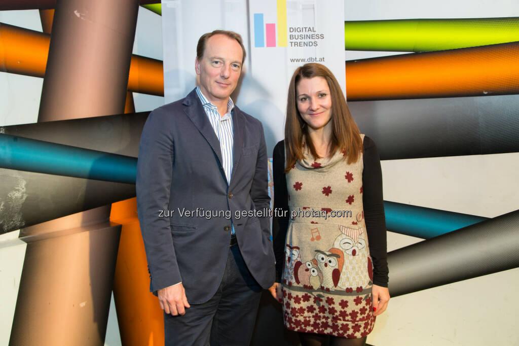 Marc Elsberg (Buchautor), Lucia Abdelgalil (ING-DiBa) - Austria Presse Agentur: Experte: Überwachung killt Innovation und Kreativität (Bild: APA-Fotoservice/Krisztian Juhasz), © Aussender (11.11.2016)