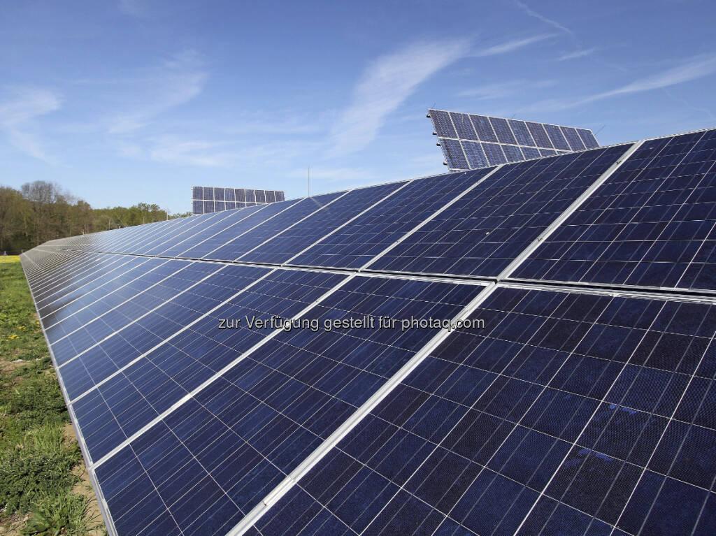 Sonnenkraftwerk Schönkirchen - ab 4.5. Anteile des neuen Sonnenkraftwerkes mit Bürgerbeteiligung von EVN und Land NÖ erhältlich (Foto EVN / Gabriele Moser) (03.05.2013)