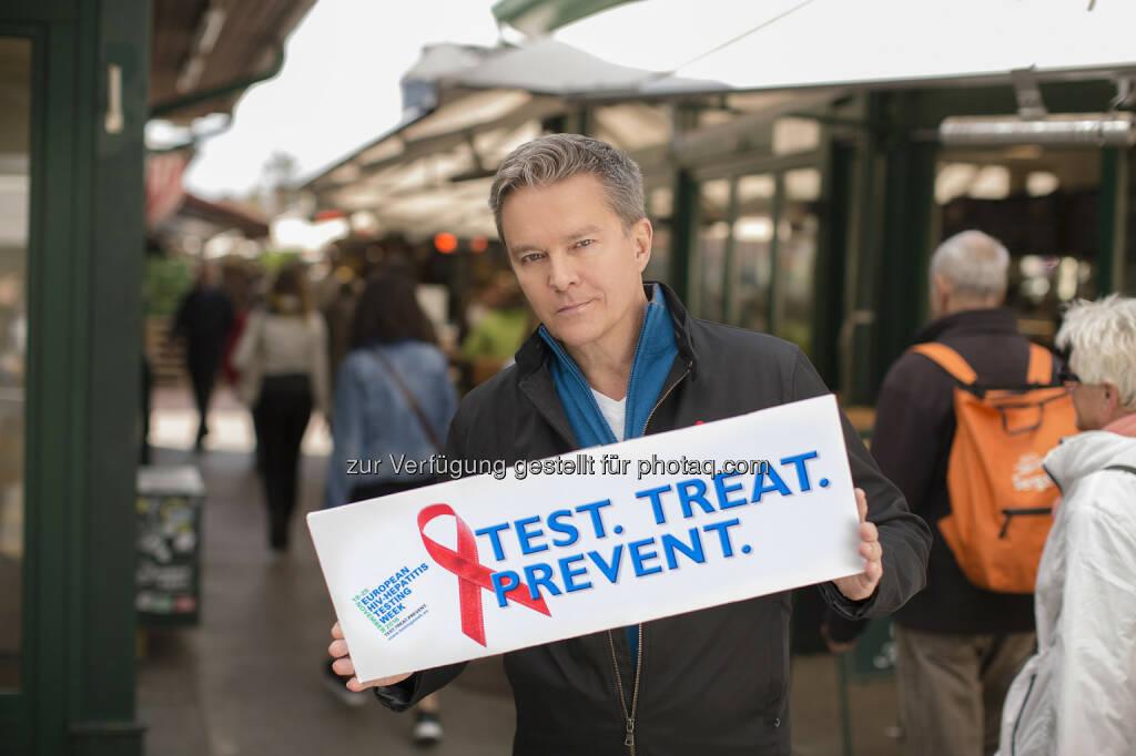 Alfonds Haider - Aids Hilfe Wien: Alfons Haider, Testbotschafter der Europäischen HIV und Hepatitistestwoche (Fotograf: Juergen Hammerschmid), © Aussender (17.11.2016)
