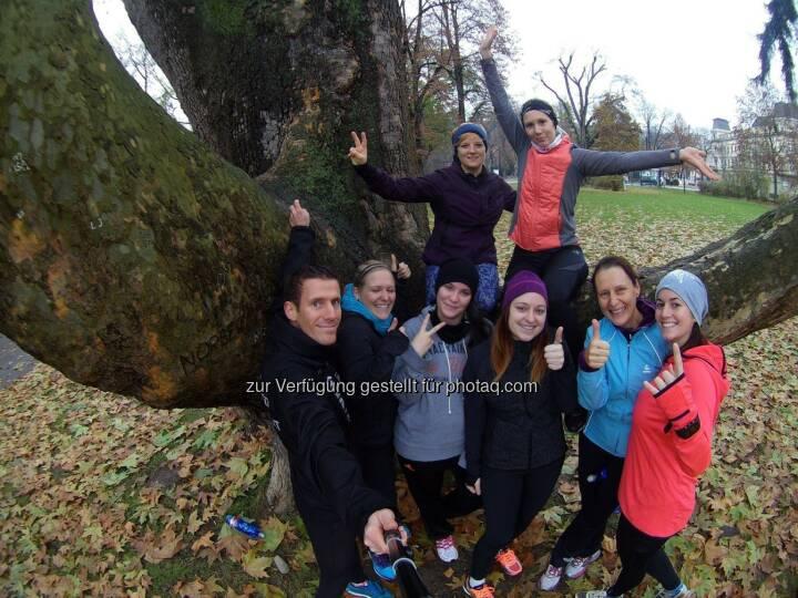 Werner Schrittwieser und die Teilnehmerinnen des Lauftechniktrainings in Krems