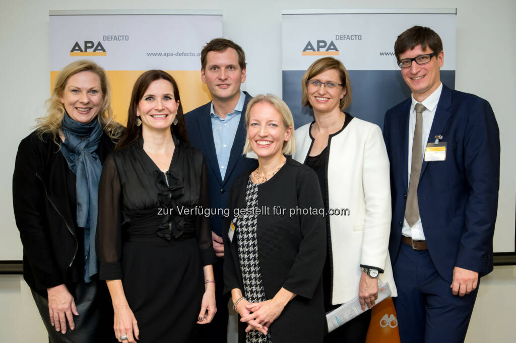 Ingrid Rehusch (ORF/Moderatorin), Katharina Riedl (Image Angels), Answer Lang (Wiener Linien), Martina Wiesenbauer-Vrublovsky (APA-OTS), Annemarie Kramser (Vizenz Gruppe), Klemens Ganner (APA-DeFacto):APA-DeFacto GmbH: Krisenkommunikation in digitalen Zeiten – Ruhe bewahren im Shitstorm (C) APA-Fotoservice/Martin Hörmandinger, © Aussender (22.11.2016)