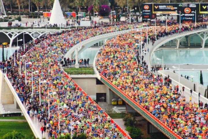 Valencia Marathon by Heidi Novy