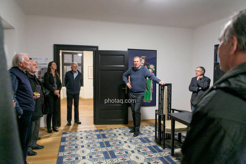 Wilhelm Rasinger (IVA) führt durch die Klimt Villa, © Martina Draper/photaq (27.11.2016)