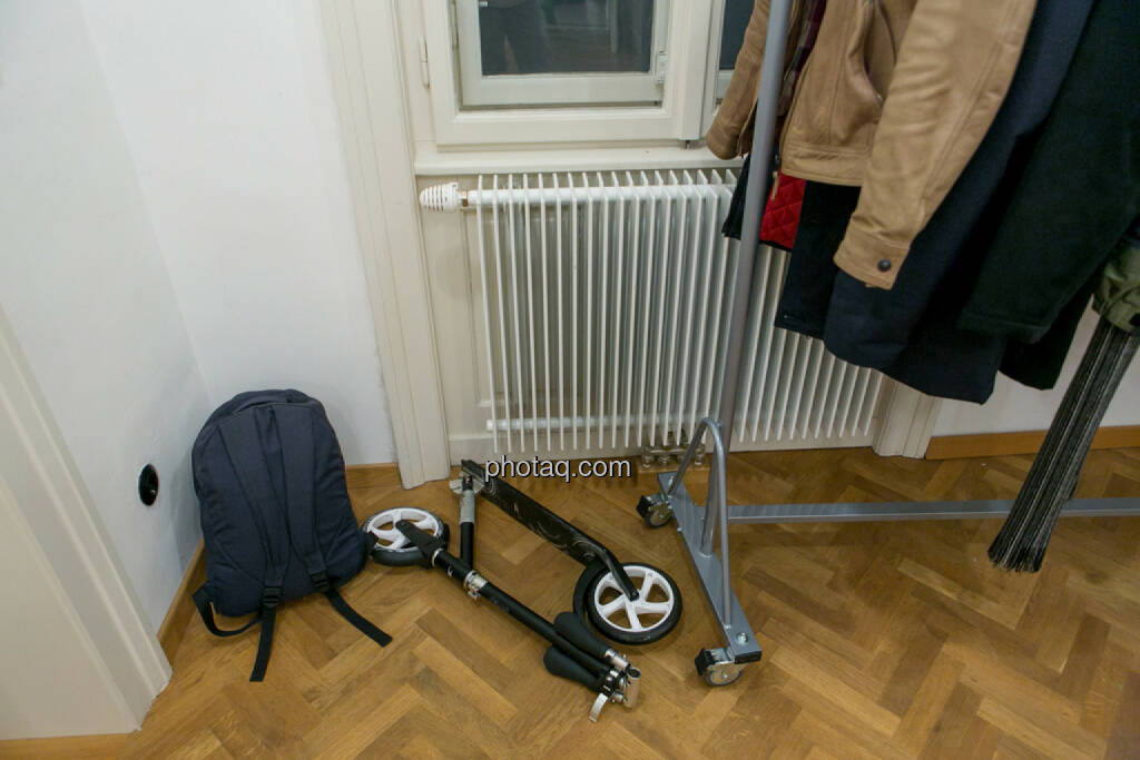Roller, Garderobe, © Martina Draper/photaq (27.11.2016)