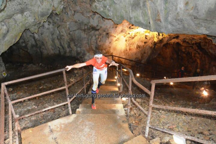 Rolf Majcen, Höhle, bergauf