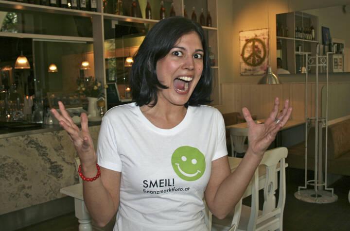 Scream Smeil: Naomi Fiby aus der Serie http://finanzmarktfoto.at/page/index/444