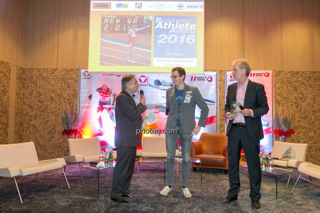 Hans Huber, Günther Matzinger (Rookie of the Year), Christian Drastil (BSN), © Martina Draper/photaq (06.12.2016)