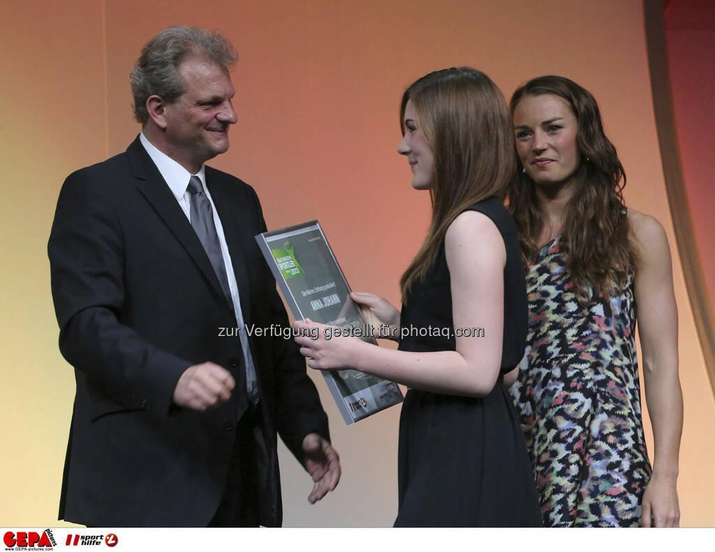 Guenther Sagmeister (Kleine Zeitung), Anna Johann (AUT) und Tina Maze (SLO), Foto: GEPA pictures/ Markus Oberlaender (08.05.2013)