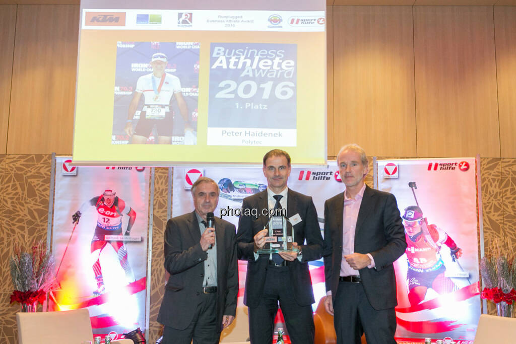 Hans Huber, Peter Haidenek (Polytec, Sieger Business Athlete Award 2016), Christian Drastil (BSN), © Martina Draper/photaq (06.12.2016)