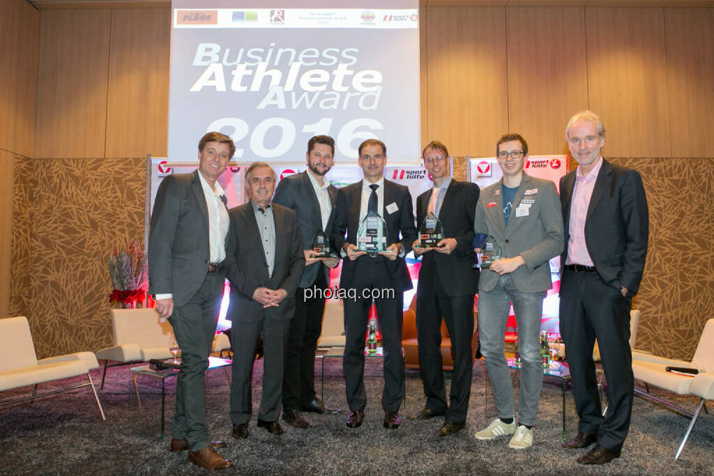 Harald Bauer (Österreichische Sporthilfe), Hans Huber, Damian Izdebski (techbold technology group, 3. Platz Business Athlete Award 2016, Peter Haidenek (Polytec, Sieger Business Athlete Award 2016), Rolf Majcen (FTC, 2. Platz Business Athlete Award 2016), Günther Matzinger (Rookie of the Year), Christian Drastil (BSN), © Martina Draper/photaq (06.12.2016)