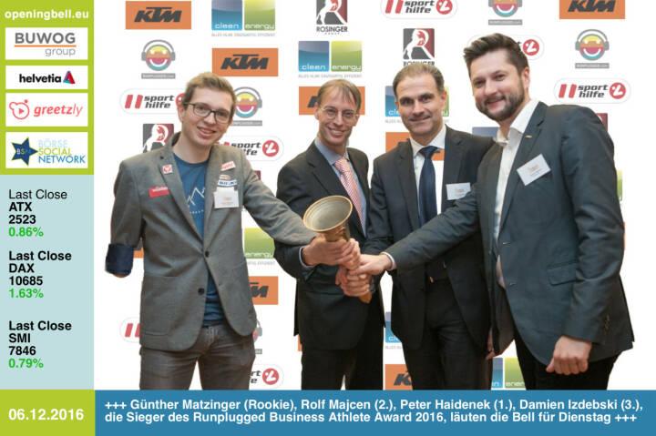 #openingbell am 6.12.: Günther Matzinger (Rookie), Rolf Majcen (2.), Peter Haidenek (1.) und Damian Izdebski (3.), die Sieger des Runplugged Business Athlete Award 2016, läuten die Bell für Dienstag http://www.runplugged.com/baa http://runplugged.com/2016/12/06/business_athlete_award_2016_peter_haidenek_siegt#bild_59130