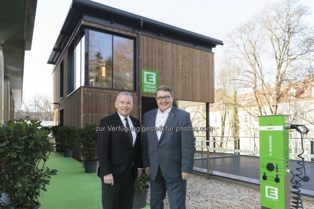 """Vorstandssprecher Christian Purrer, Vorstandsdirektor Martin Graf: Energie Steiermark AG: """"Urban Box"""": E-Steiermark vermietet ab sofort smarte Co-Working-Büros (C) Engergie Steiermark, © Aussender (07.12.2016)"""