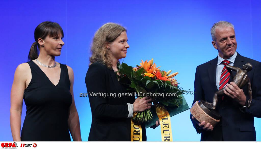 Uschi Profanter, Trainerin Barbara Helbich und Gerhard Widmann (ASKOE Steiermark). Trainerin des Jahres, Foto: GEPA pictures/ Markus Oberlaender (08.05.2013)