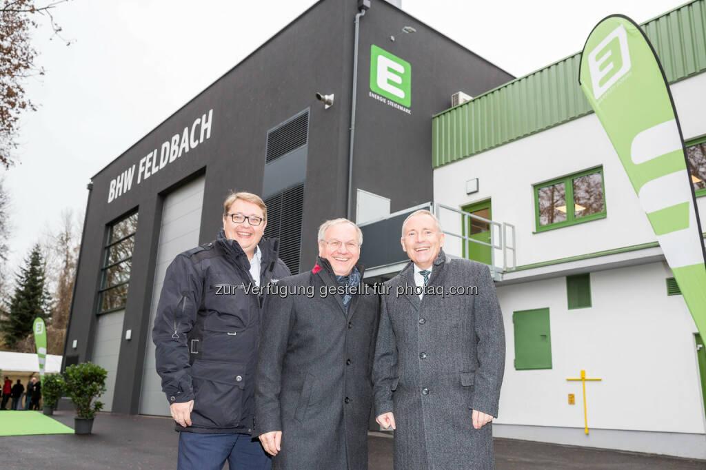 Vorstandsdirektor Martin Graf, Bürgermeister von Feldbach Josef Ober und Vorstandssprecher Christian Purrer: Energie Steiermark AG: Neues Biomasse-Heizwerk nach Großbrand in Feldbach eröffnet (C) Energie Steiermark, © Aussender (13.12.2016)