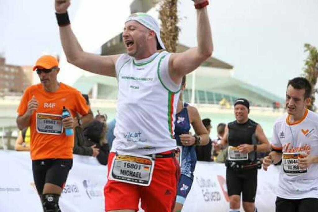 Michael Haase - Nominierung Mein Sportschnappschuss 2016: Marathon Zieleinlauf in Valencia -  Voten und/oder auch sich selbst nominieren unter http://www.facebook.com/groups/Sportsblogged (29.12.2016)