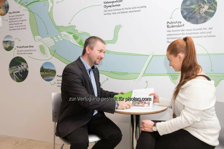 Der neue Ombudsmann des Murkraftwerk Graz, Michael Wedenig, steht im neuen Dialogbüro Anrainern für Fragen zum Projekt zur Verfügung. - Energie Steiermark AG: Energie Steiermark eröffnet Dialogbüro für Interessierte am Murkraftwerk Graz (Fotocredit: Energie Steiermark)